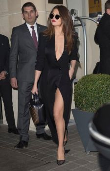 ** RESTRICTIONS: ONLY UNITED STATES ** Paris, France - **USA ONLY** Paris, France - Selena Gomez shows some leg as she leaves her Paris hotel headed for a fashion show event during Paris Fashion Week. AKM-GSI 8 MARCH 2016 To License These Photos, Please Contact : Maria Buda (917) 242-1505 mbuda@akmgsi.com or Steve Ginsburg (310) 505-8447 (323) 423-9397 steve@akmgsi.com sales@akmgsi.com